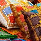 Яркие подушки постирать в стиральной машине